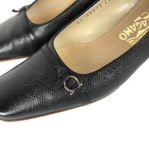 SALVATORE FERRAGAMO block heel pumps size 7B